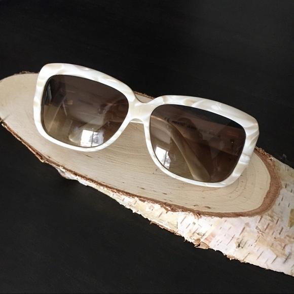 b84c898ccf6 YSL Iconic Shell Sunglasses. M 5a9225913b1608d7ee9354f1